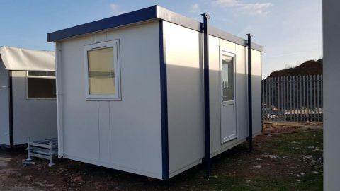 New 16' x 9' Jackleg Cabin